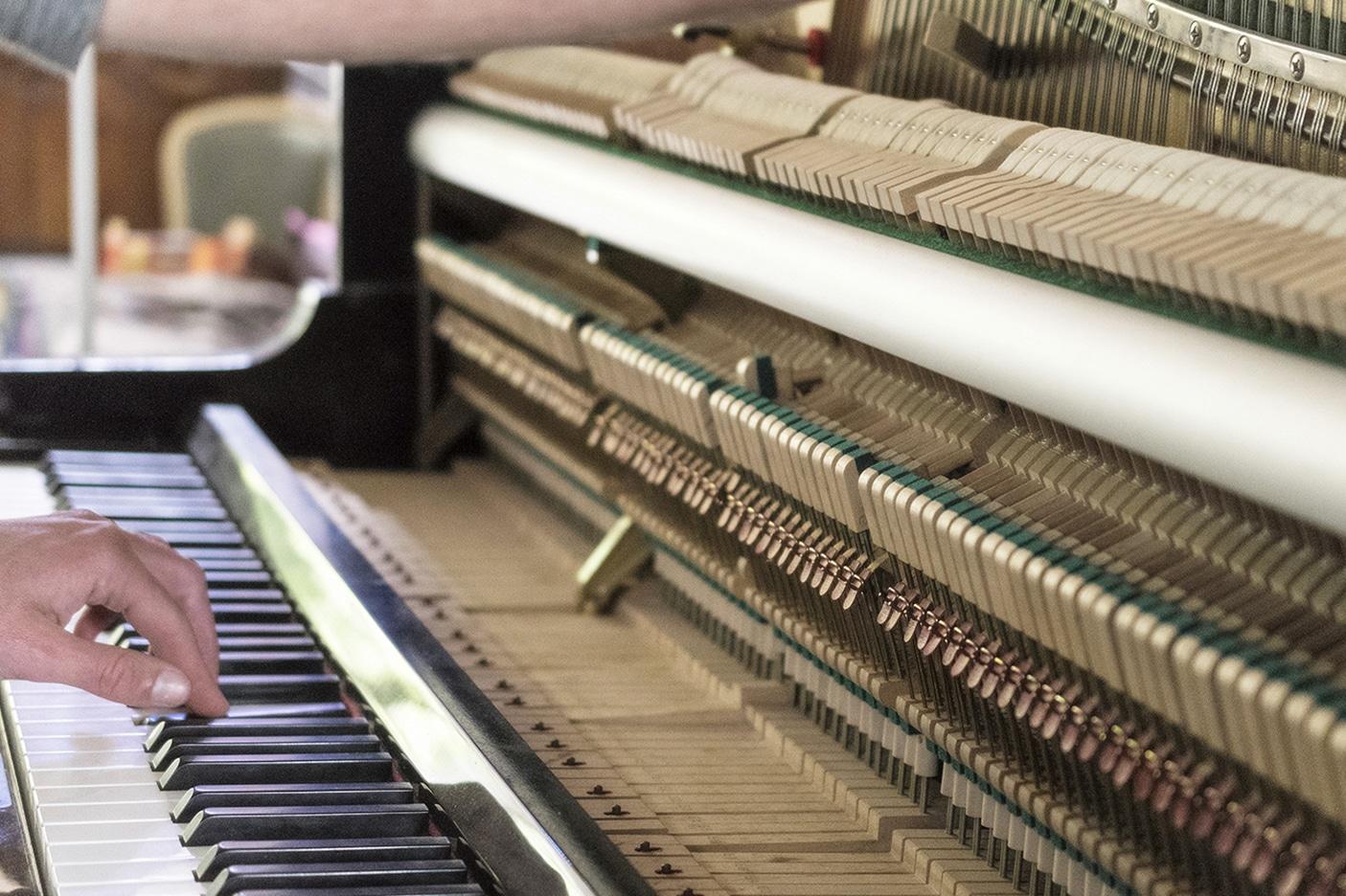 Révision et accord de piano droit Kawai