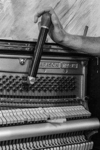Ulrich Guillerm accordeur réparateur de piano accord pianos droits pianos à queue Finistère, Manche et Ille-et-Vilaine